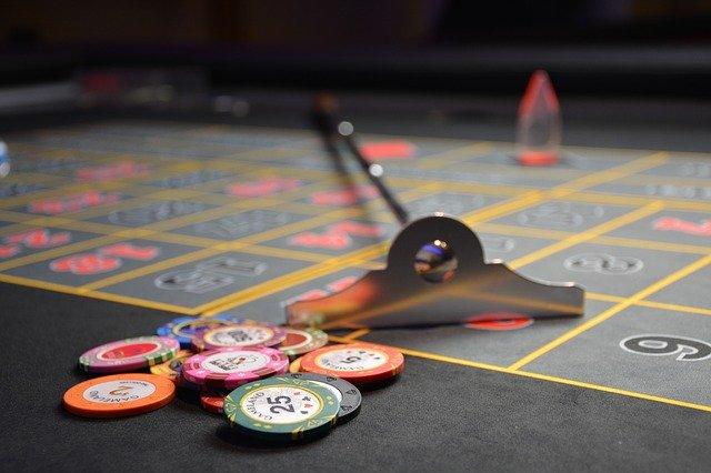 Online Slot Machine Games Vs Traditional Casino Game Machines