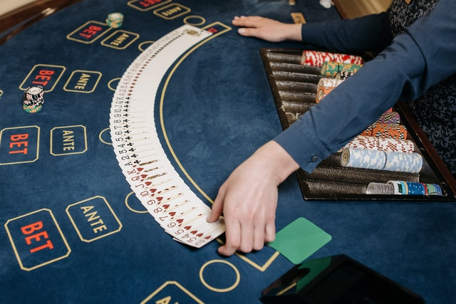 Crucial Things To Know When Playing Slot online