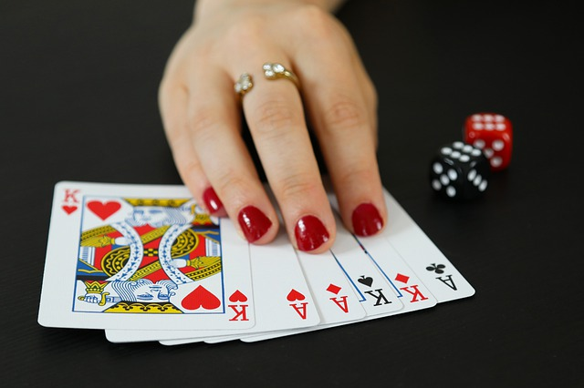 Play Baccarat in this way and make yourself rich