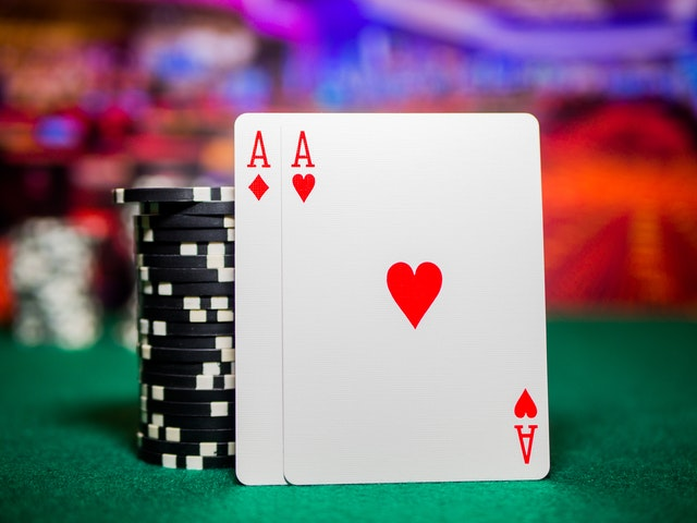 Bonuses That You Can Avail Yourself While Gambling Online