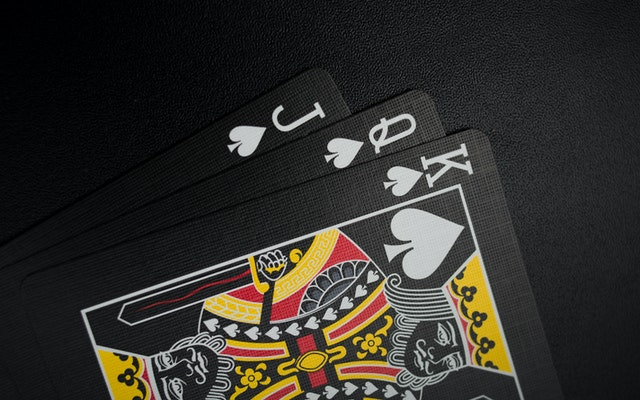 Which Are The Best Games That You Can Play While Gambling Online?