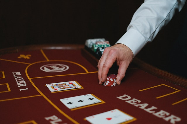 Is Online Casino A Better Option Than Land-Based Casinos?