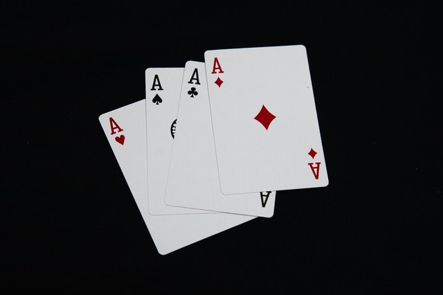 Online Poker Game- Excellent Way To Make Money And Fun Both At The Same Time!